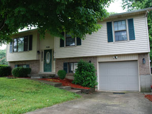 Bluegass Rental Properties - 552 Wellington Gardens Drive - For Rent